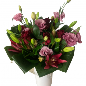Bouquet of lilies, roses & lisianthus