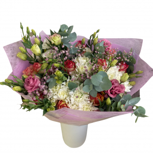 Bouquet of lisianthus + roses and chrysanthemums